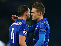 Jamie Vardy of Leicester City celebrates with Danny Drinkwater - Mandatory by-line: Matt McNulty/JMP - 22/11/2016 - FOOTBALL - King Power Stadium - Leicester, England - Leicester City v Club Brugge - UEFA Champions League