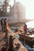 TURKEY, ISTANBUL Bosphorus, Ortakoy fishing village