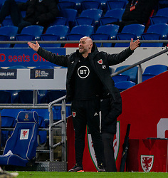 CARDIFF, WALES - Wednesday, November 18, 2020: Wales' assistant coach Robert Page, who stands in for manager Ryan Giggs after he was arrested on suspicion of assault, during the UEFA Nations League Group Stage League B Group 4 match between Wales and Finland at the Cardiff City Stadium. Wales won 3-1 and finished top of Group 4, winning promotion to League A. (Pic by David Rawcliffe/Propaganda)