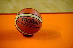 14-08-2010 BASKETBAL: NEDERLAND - ITALIE: ALMERE<br /> The Dutch ladies have their European Championship qualifier against Italy lost 60-70 / Molten basketball<br /> ©2010-WWW.FOTOHOOGENDOORN.NL