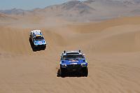 MOTORSPORT - DAKAR ARGENTINA CHILE 2010 - STAGE 4 - FIAMBALA (CHI) / COPIACO (CHI) - 05/01/2010- PHOTO : ERIC VARGIOLU / DPPI<br /> 300 GINIEL  DE VILLIERS ( ZAF ) DIRK  VON ZITZEWITZ / VOLKSWAGEN  RACE TOUAREG 2  - VOLKSWAGEN MOTORSPORT II  - ACTION<br /> 312 MAURICIO JOSE NEVES ( BRA ) CLECIO  MAESTRELLI  / VOLKSWAGEN  RACE TOUAREG 2  - VOLKSWAGEN MOTORSPORT I - ACTION