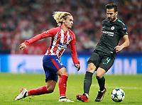 Atletico de Madrid's Antoine Griezmann (l) and Chelsea FC's Cesc Fabregas during Champions League 2017/2018, Group C, match 2. September 27,2017. (ALTERPHOTOS/Acero)