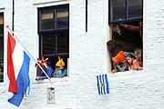 Koninginnedag 2010 . De Koninklijke familie in het zeeuwse  Middelburg. / Queensday 2010. De Royal Family in Middelburg.<br /> <br /> op de foto / on the photo Publiek / Public