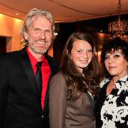 NLD/Hoorn/20101101- Premiere Je Anne, Rob Snoek, dochter en partner Henriette Tol