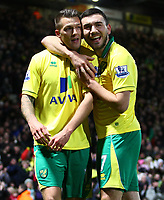 Football - Premier League - Norwich City vs. Sunderland<br /> <br /> <br /> Norwich City's Anthony Pilkington is congratulated by team mate Robert Snodgrass at Carrow Road, Norwich