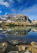 Bow Lake and Crowfoot Mountain in autumn. Icefields Parkway. Banff National Park<br /> BAnff National Park<br /> Alberta<br /> Canada