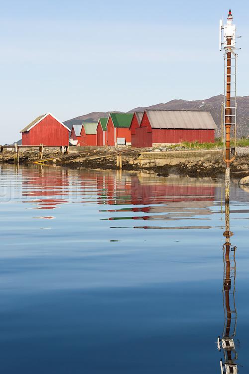 Morning mood by the sea, westcoast of Norway | Morgenstemning i fjøra i Nørdre Vaulen, Remøy