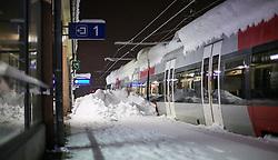 01.02.2014, Bahnhof, Lienz, AUT, Schneefälle in Oberkärnten und Osttirol, im Bild keine Fahrten konnte die ÖBB vom Lienzer Bahnhof aus machen. Bis tief in die Nacht waren Einsatzkräfte damit beschäftigt die Strassen und Gehwege von den Schneeemassen zu räumen. Über Nacht vielen bis zu 1,2 Meter Neuschnee in weiten Teilen Oberkärnten und Osttirols und forderten bereits zwei Todesopfer. EXPA Pictures © 2014, PhotoCredit: EXPA/ JFK