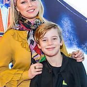 NLD/Amsterdam/20190112 - Premiere Hoe Tem je een Draak 3, Bridget Maasland en zoon Mees