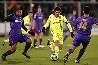 """Juninho (Lione) Felipe Melo (L) Luciano Zauri (R) (Fiorentina)<br /> Firenze 25/11/2008 Stadio """"Artemio Franchi"""" <br /> Champions League 2008/2009<br /> Fiorentina Lyon (1-2)<br /> Foto Andrea Staccioli Insidefoto"""