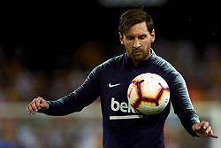 October 8, 2018 - Valencia, Valencia, Spain - Lionel Messi in the warm up before the week 8 of La Liga match between Valencia CF and FC Barcelona at Mestalla Stadium in Valencia, Spain on October 7, 2018. (Credit Image: © Jose Breton/NurPhoto/ZUMA Press)
