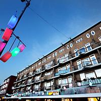 Nederland, Amsterdam , 22 november 2012..Het Mercatorplein met rechts de gebouwen waar onlangs zoals woningen boven supermarkt Dirk van den Broek d.m.v. rookproeven stankoverlast gemeten werd door de vloeren en wanden heen..Foto:Jean-Pierre Jans