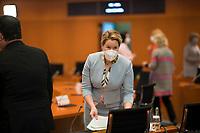 DEU, Deutschland, Germany, Berlin, 03.03.2021: Bundesfamilienministerin Franziska Giffey (SPD) vor Beginn der 132. Kabinettsitzung im Bundeskanzleramt.