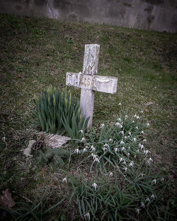 En enkel grav på Skogskyrkogården