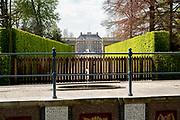 APELDOORN, 09-06-2021 , Kroondomein Het Loo<br /> <br /> Kroondomein Het Loo is een landgoed op de Veluwe, in de Nederlandse provincie Gelderland. Het is het grootste landgoed van Nederland en omvat ongeveer 10.400 hectare.<br /> <br /> Op de foto: Achterkant Paleis Het Loo