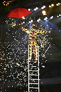 Clown auf einer Leiter © Thomas Oswald/EQ Images