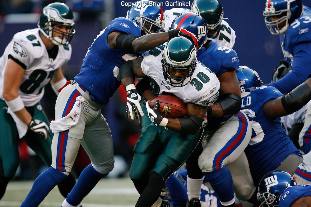 11 Jan 2009: Philadelphia Eagles running back Brian Westbrook #36 runs the ball during the game against the New York Giants on January 11th, 2009.  The  Eagles won 23-11 at Giants Stadium in East Rutherford, New Jersey.
