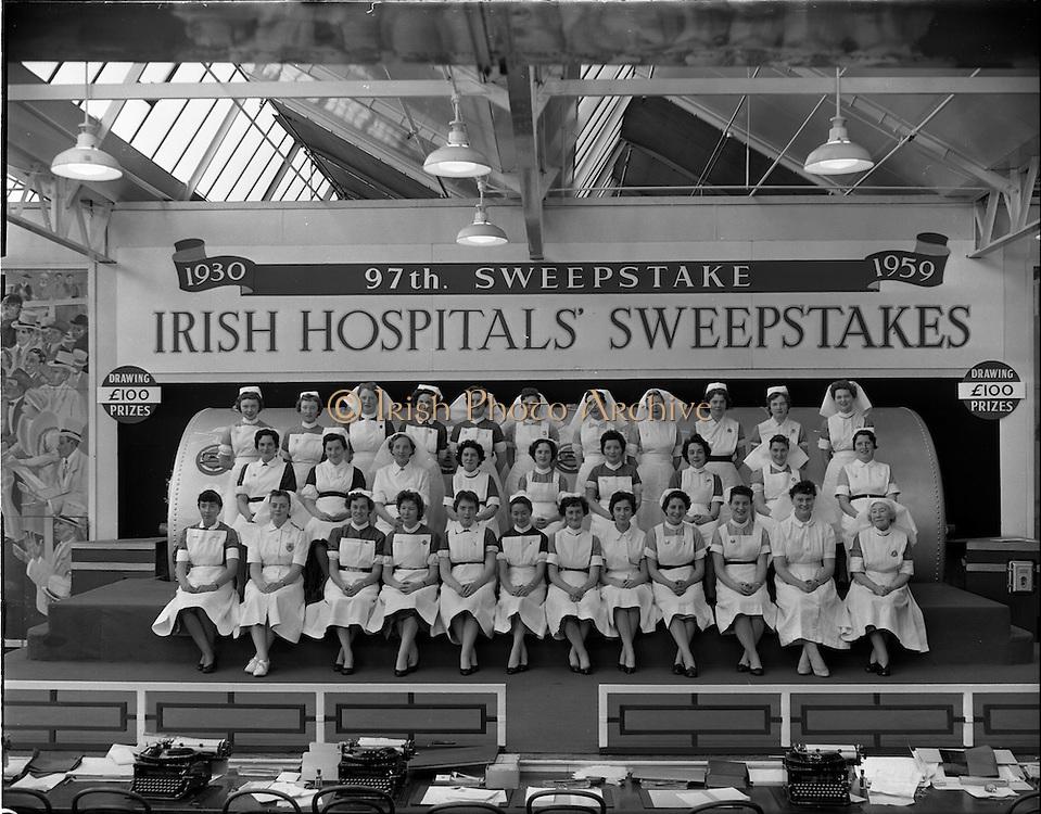 23/10/1959<br /> 10/23/1959<br /> 23 October 1959<br /> Group of nurses at Hospitals Trust draw at Ballsbridge, Dublin.