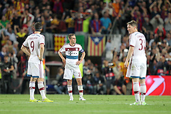 06.05.2015, Camp Nou, Barcelona, ESP, UEFA CL, FC Barcelona vs FC Bayern Muenchen, Halbfinale, Hinspiel, im Bild l-r: enttaeuschung bei Robert Lewandowski #9 (FC Bayern Muenchen), Philipp Lahm #21 (FC Bayern Muenchen) und Bastian Schweinsteiger #31 (FC Bayern Muenchen) // during the UEFA Champions League semi finals 1st Leg match between FC Barcelona and FC Bayern Munich at the Camp Nou in Barcelona, Spain on 2015/05/06. EXPA Pictures © 2015, PhotoCredit: EXPA/ Eibner-Pressefoto/ Kolbert<br /> <br /> *****ATTENTION - OUT of GER*****