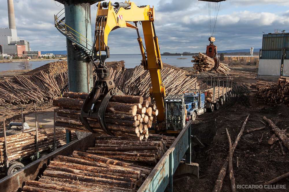 Corporate Industrial photography. Resolute Forest Products Fort Williams First Nation sawmill. Thunder Bay, 2013.