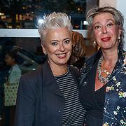 NLD/Amstelveen/20180924 - Toneelstuk Kunst & Kitsch premiere, Doris Baaten en Anne-Rose Bantzinger