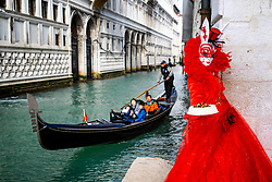 February 5, 2018 - Venice, Italy - Revellers wearing traditional carnival costume pose in Venice, Italy, during Venice's Carnival. (Credit Image: © Matteo Chinellato/NurPhoto via ZUMA Press)