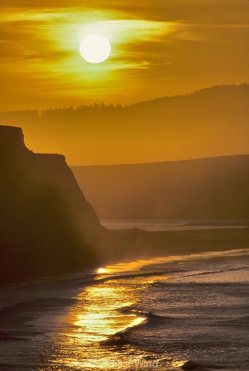 Rising Sun at Drakes Beach,Point Reyes National Seashore, California