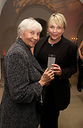 Helen Fielding with her mother,  Nellie Fielding, Party to celebrate the publication of Olivia Joules and the Overactive Imagination, by Helen Fielding, royal Unitel Services Institute, whitehall. 54 November 2003. © Copyright Photograph by Dafydd Jones 66 Stockwell Park Rd. London SW9 0DA Tel 020 7733 0108 www.dafjones.com