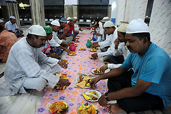 May 28, 2017 - Allahabad, Uttar Pradesh, India - Allahabad: Indian Muslims eat their eftar as they break their day long fast on the first day of Ramadan month at Jama Moshque in Allahabad on 28-05-2017. Photo by prabhat kumar verma (Credit Image: © Prabhat Kumar Verma via ZUMA Wire)