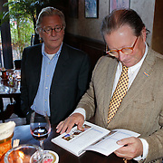 NLD/Hilversum/20111101- Presentatie kookboek De Smaak van BN, Bert Kremer en Fons van Westerloo