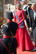 Prinsjesdag 2014 - Aankomst  Gouden Koets op het Binnenhof. /// Parlement Day 2014 - Arrivals Golden Carriage at the Binnenhof.<br /> <br /> Op de foto / On the photo:  Koningin Maxima / Queen Maxima