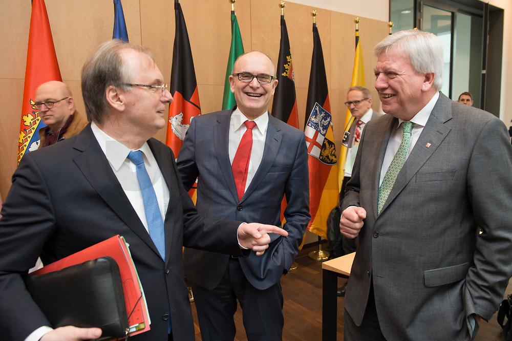 16 MAR 2017, BERLIN/GERMANY:<br /> Reiner Haseloff (L), CDU, Ministerpraesident Sachsen-Anhalt, und Erwin Sellering (M), SPD, Ministerpraesident Mecklenburg-Vorpommern, und Volker Bouvier (R), CDU, Ministerpraesident Hessen, im Gespraech, vor Beginn einer Sitzung der Ministerpraesidentenkonferenz, Bundesrat<br /> IMAGE: 20170316-01-009<br /> KEYWORDS: Ministerpräsidentenkonferenz, MPK, Gespräch