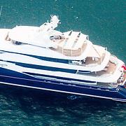 USA/Miami/20150808 - Rondvlucht boven Miami, jacht voor de kust