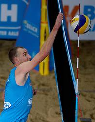 05-01-2014 VOLLEYBAL: NK INDOOR BEACHVOLLEYBAL: AALSMEER<br /> Richard Schuil speelde zondag zijn laatste finale op het NK Indoor Beachvolleybal. <br /> ©2014-FotoHoogendoorn.nl