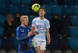 Elijah Just (FC Helsingør) og Mathias Høst (HB Køge) under kampen i 1. Division mellem HB Køge og FC Helsingør den 4. december 2020 på Capelli Sport Stadion i Køge (Foto: Claus Birch).