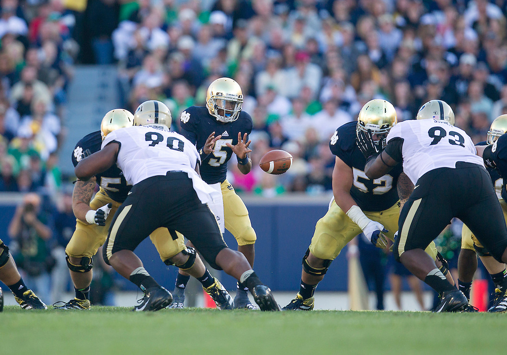 September 08, 2012:  Notre Dame quarterback Everett Golson (5) during NCAA Football game action between the Notre Dame Fighting Irish and the Purdue Boilermakers at Notre Dame Stadium in South Bend, Indiana.  Notre Dame defeated Purdue 20-17.
