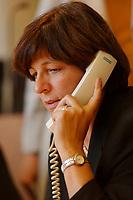 """20 NOV 2002, BERLIN/GERMANY:<br /> Ulla Schmidt, SPD, Bundesgesundheitsministerin, beantwortet am Telefon Fragen zu den Reformen der Regierung in den Bereichen Gesundheit und Rente, Telefon-Hotline der SPD-Bundestagsfraktion """"Zukunft braucht Mut - Wir beantworten Ihre Fragen"""", Paul-Loebe-Haus<br /> IMAGE: 20021120-01-019<br /> KEYWORDS: telefoniert, telefonieren, phone, telephone"""
