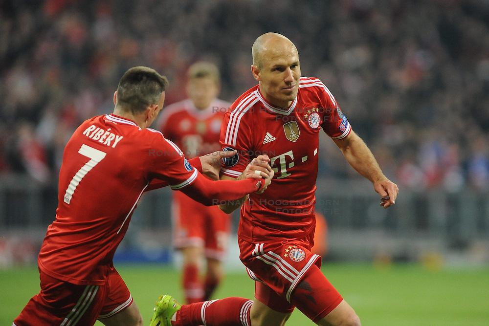 09-04-2014 GER: UEFA CL FC Bayern Munchen - Manchester United, Munchen<br /> Franck Ribery (FC Bayern Muenchen) und Arjen Robben (FC Bayern Muenchen) nach dessen Tor zum 3:1 // during the UEFA Champions League Round of 8, 2nd Leg match  <br /> **** NETHERLANDS ONLY ****