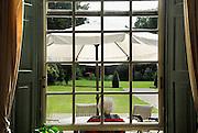 Nederland, Brummen, 15-8-2007..Seniorenzorg in voormalig landhuis. Dit verzorgingshuis biedt luxe zorg voor ouderen,bejaarden, die verzorging nodig hebben...Foto: Flip Franssen