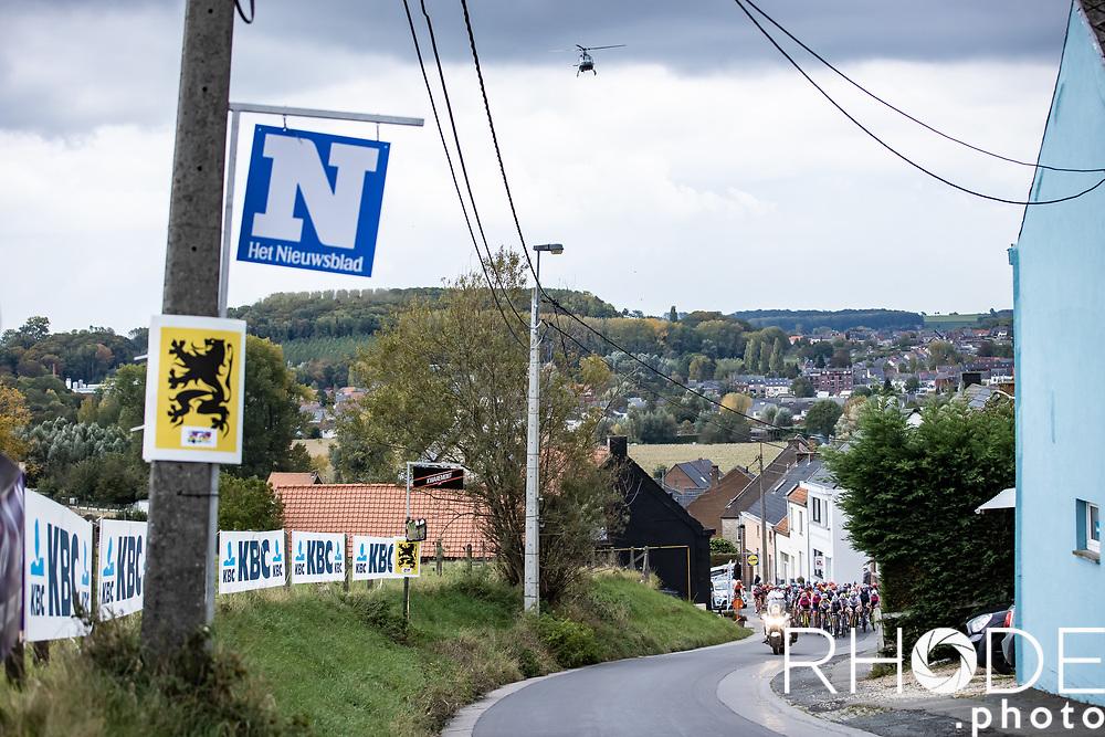 Peloton up the Valkenberg<br /> <br /> 17th Ronde van Vlaanderen 2020<br /> Elite Womens Race (1.WWT)<br /> <br /> One Day Race from Oudenaarde to Oudenaarde 136km<br /> <br /> ©kramon