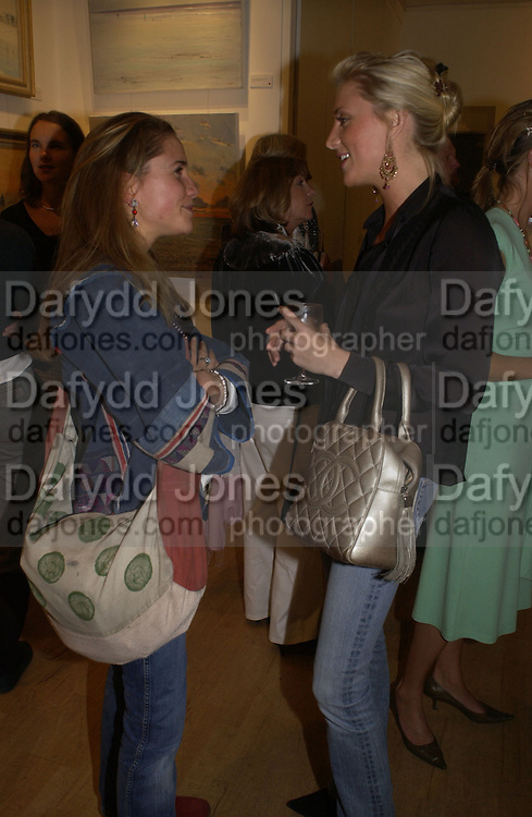 Miranda Donovan and Lady Emily Compton. A Celebration of Light.- Exhibition of work by George Lewis. Air Gallery. Dover St.  London.  London. 4 October 2005. . ONE TIME USE ONLY - DO NOT ARCHIVE © Copyright Photograph by Dafydd Jones 66 Stockwell Park Rd. London SW9 0DA Tel 020 7733 0108 www.dafjones.com