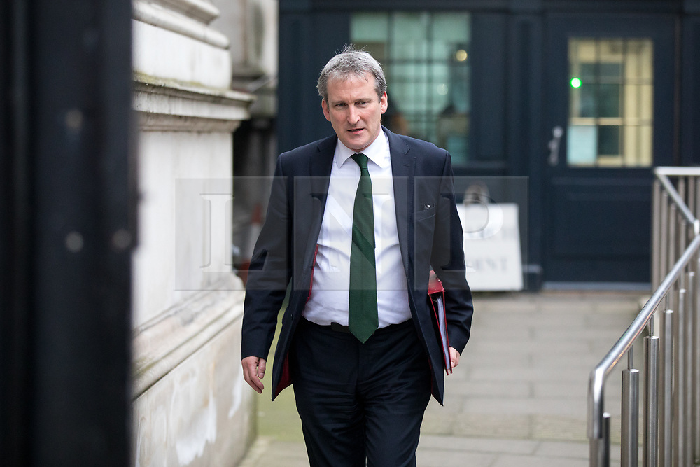 © Licensed to London News Pictures. 09/01/2018. London, UK. Education Secretary Damian Hinds leaving Downing Street after attending a Cabinet meeting this morning. Yesterday British Prime Minister Theresa May reshuffled her cabinet, appointing some new ministers. Photo credit : Tom Nicholson/LNP