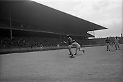 09/05/1965<br /> 05/09/1965<br /> 9 May 1965<br /> National Hurling League Semi-Final: Waterford v Tipperary at Croke Park, Dublin.