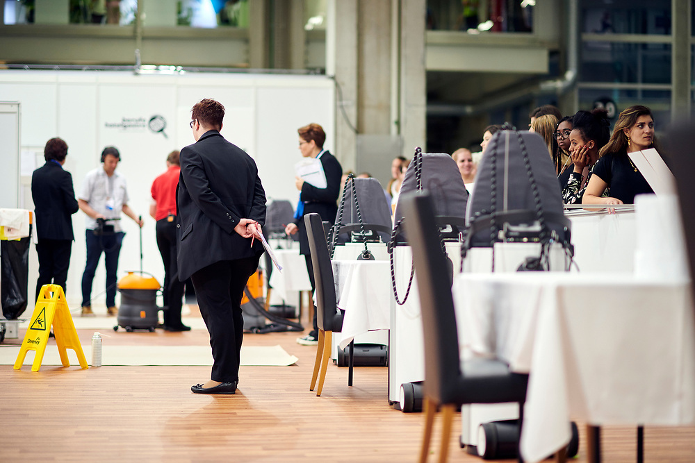 Hotelfachmann/-frau EFZ, Spécialiste en hôtellerie CFC, Impiegato d'albergo (AFC) / Impiegata d'albergo (AFC), Hotel & Gastro formation Schweiz,Hotel & Gastro formation Suisse, Hotel & Gastro formation Svizzera. © Manu Friederich