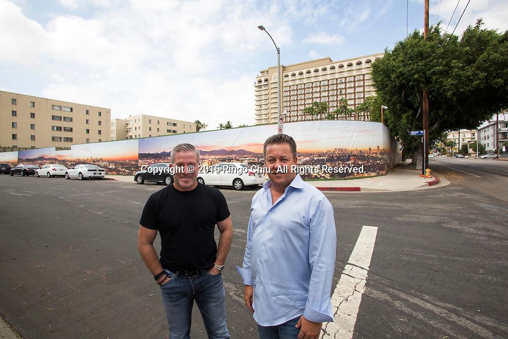 Jonathan Genton, right, founding partner of Genton Property Group, and Paul White of Four Seasons Hotels and Resorts.(Photo by Ringo Chiu/PHOTOFORMULA.com)