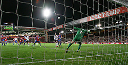Fulham's Steve Sidwell's scores from 35 yards  - Photo mandatory by-line: Robin White/JMP - Tel: Mobile: 07966 386802 21/10/2013 - SPORT - FOOTBALL - Selhurst Park - London - Crystal Palace V Fulham - Barclays Premier League