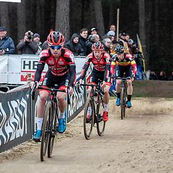 2020-02-08 Cycling: dvv verzekeringen trofee: Lille: A Pauwels Saucen - Bingoal Train chasing in Lille
