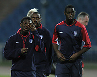 Fotball<br /> Foto: BPI/Digitalsport<br /> NORWAY ONLY<br /> <br /> 12/10/2004 England training, Tofiq Bahramov Stadium<br /> Shaun Wright Phillips, left alongside Ledley King