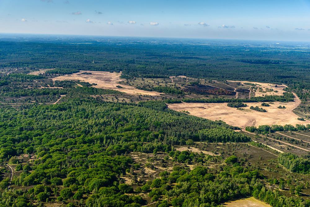 Nederland, Utrecht, Leusden, 29-05-2019;  Leusderheide, militair oefenterrein. <br /> Leusder heath, military training ground.<br /> <br /> luchtfoto (toeslag op standard tarieven);<br /> aerial photo (additional fee required);<br /> copyright foto/photo Siebe Swart