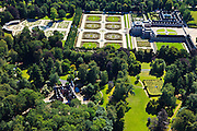 Nederland, Gelderland, Apeldoorn, 30-06-2011; Nationaal Museum Paleis Het Loo. Het voormalige zomerpaleis heeft een formele tuin en tuin het kasteel zijn in classicistische stijl. Het Versaille van Nederland staat op de Unesco werelderfgoedlijst. Onder in beeld het Oude Loo..National Museum Palace Het Loo. The former summer palace has a formal garden and castle gardens in classical style. The Versailles of the Netherlands figures on the UNESCO World Heritage List.luchtfoto (toeslag), aerial photo (additional fee required).copyright foto/photo Siebe Swart